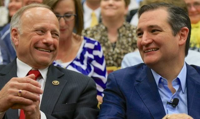 Steve King and Ted Cruz get Chummy.